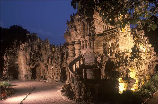 CHEVAL-Le palais de nuit